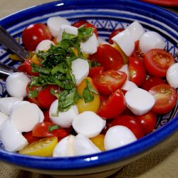 Tomates cerises à la mozzarella